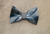 SMALL BOW on a BARRETTE